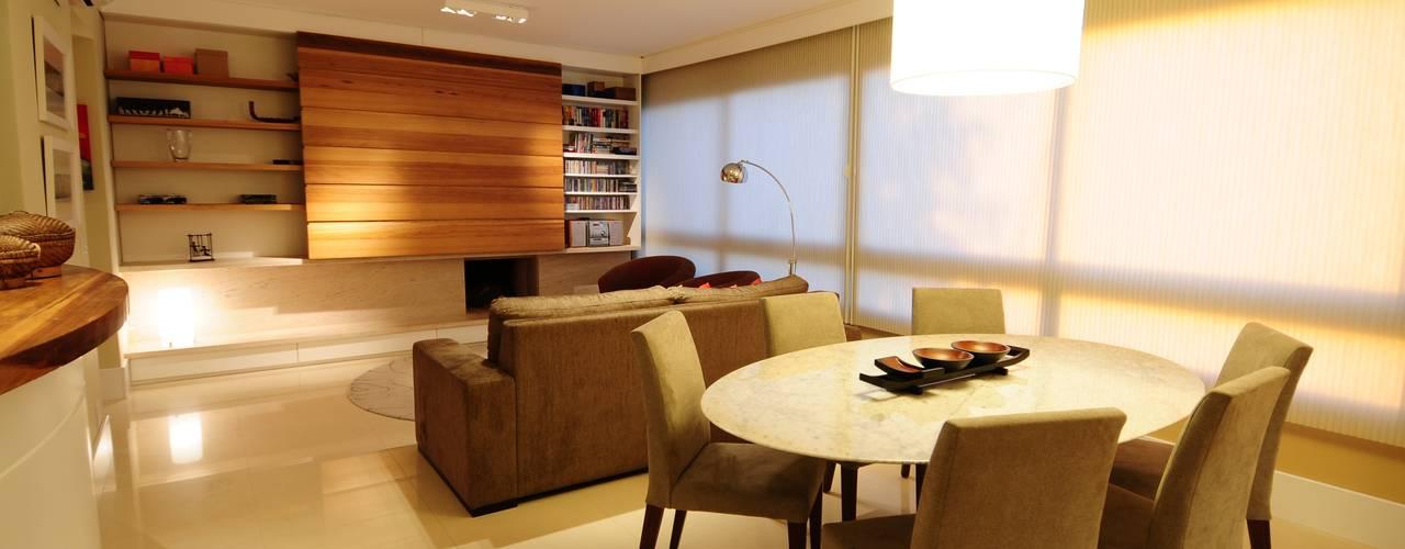 Salon moderne par João Linck | Arquitetura Moderne