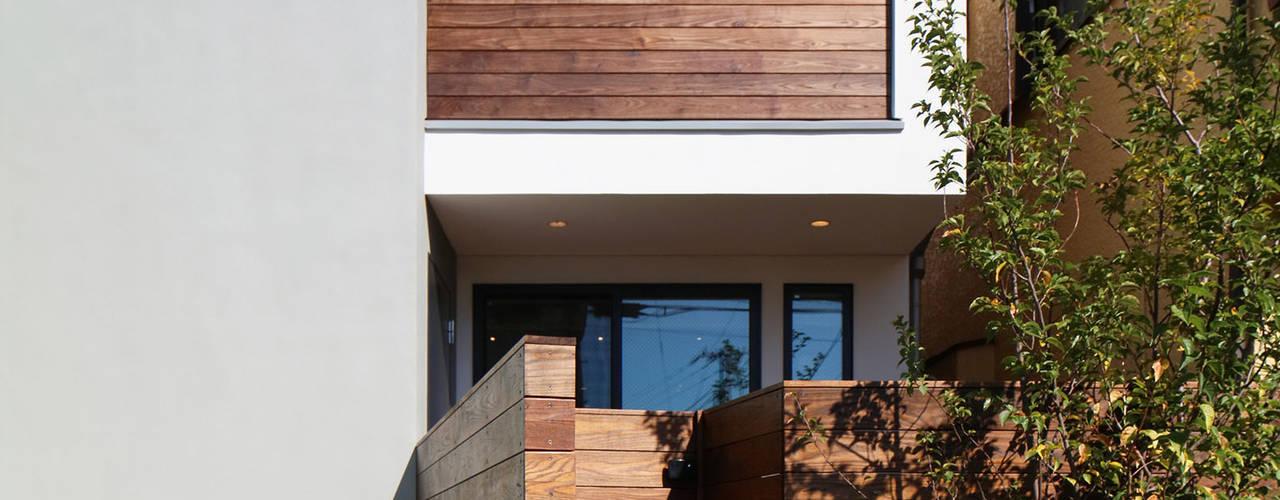 ウッドテラスの家・WOOD TERRACE HOUSE モダンな 家 の 大坪和朗建築設計事務所 Kazuro Otsubo Architects モダン