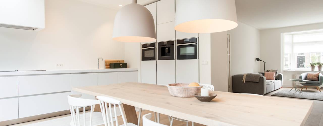 Verbouwing jaren 30-woning, Nijmegen Scandinavische keukens van Bob Romijnders Architectuur + Interieur Scandinavisch