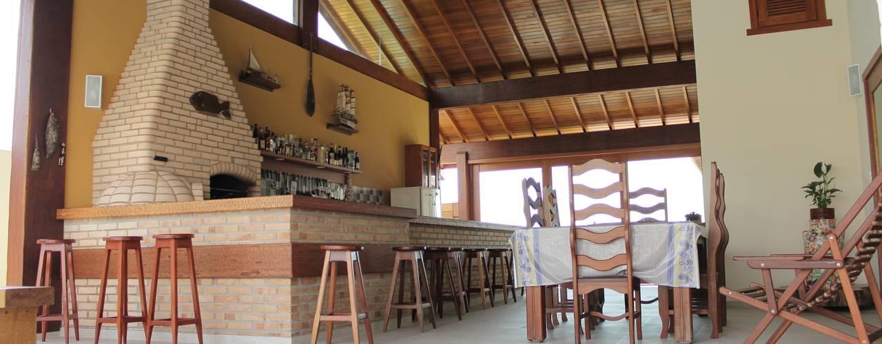 Balcone, Veranda & Terrazza in stile rustico di Lozí - Projeto e Obra Rustico