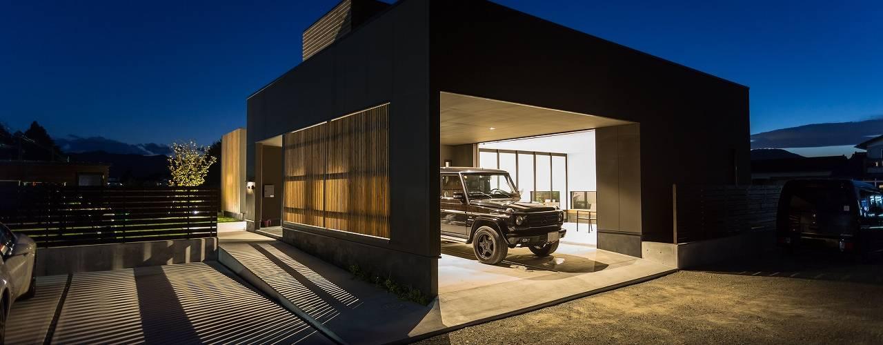 Garasi Modern Oleh TKD-ARCHITECT Modern