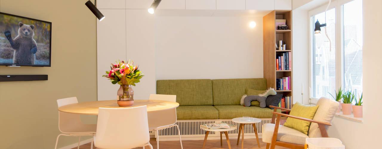 Totaalrenovatie studio Moderne woonkamers van studio k interieur en landschapsarchitecten Modern