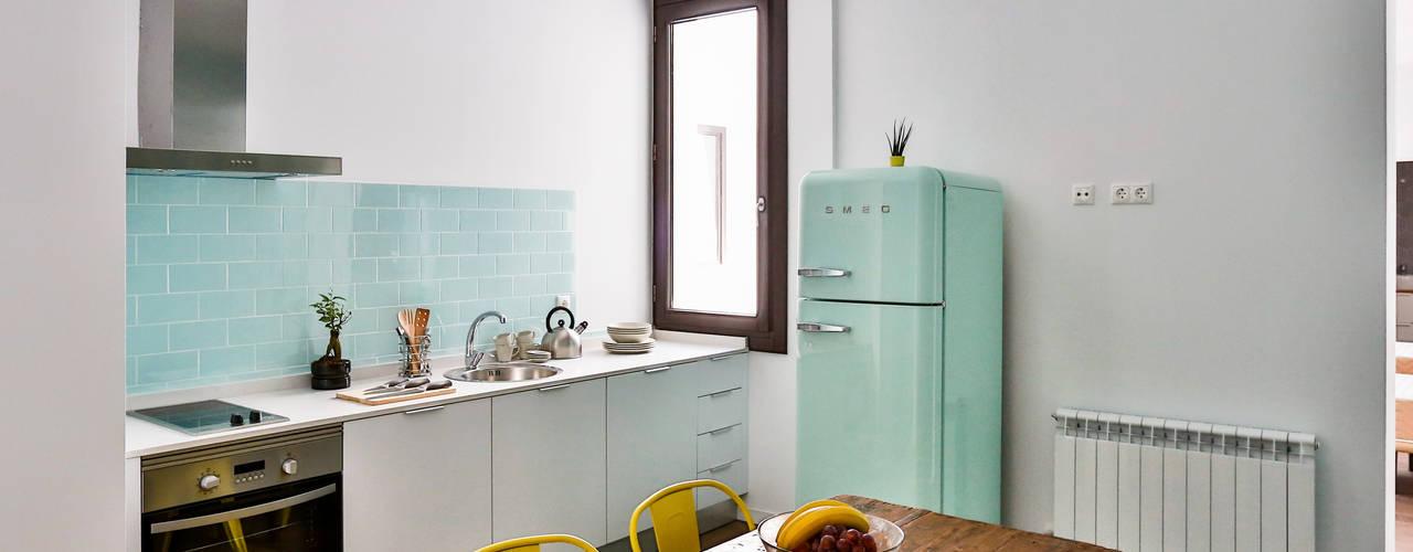 Apartamento Calatrava 1 Cocinas de estilo escandinavo de StudioBMK Escandinavo