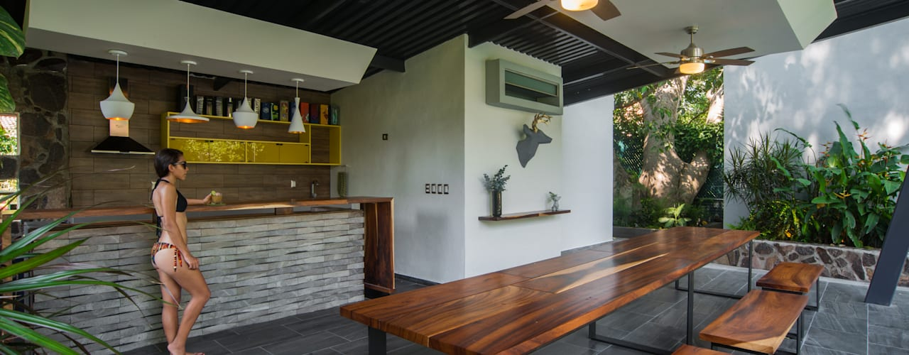 Modern Terrace by LUIS GRACIA ARQUITECTURA + DISEÑO Modern