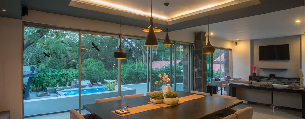 Dining room by LUIS GRACIA ARQUITECTURA + DISEÑO, Modern