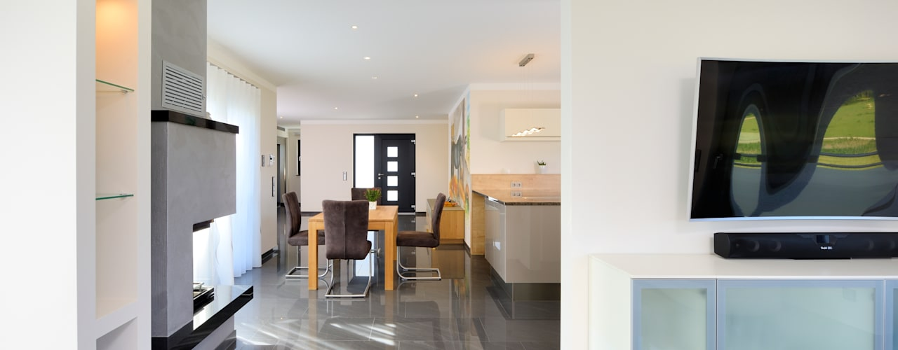 Коридор, прихожая и лестница в модерн стиле от Heinz von Heiden GmbH Massivhäuser Модерн