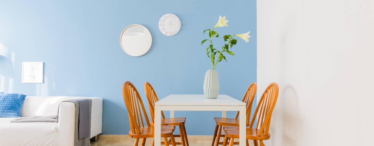 Home Staging Nordic-Retrò Venduta a Prima Vista Soggiorno in stile scandinavo