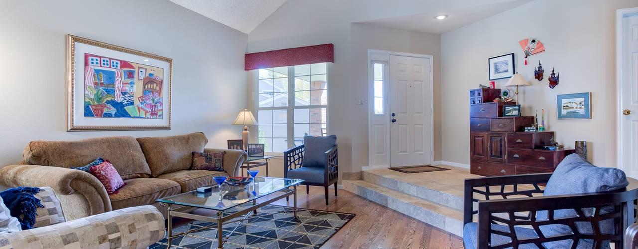 Studio Design LLC Living room