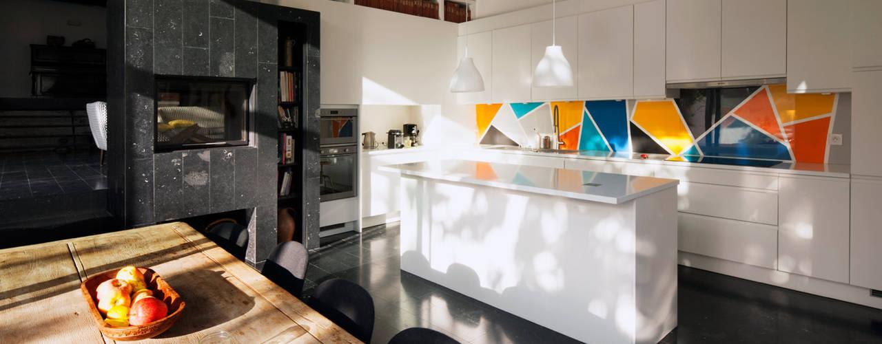 現代廚房設計點子、靈感&圖片 根據 Florence Gaudin architecte 現代風