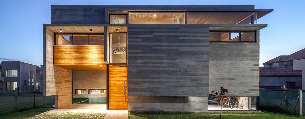 Casa Berazategui Casas modernas: Ideas, imágenes y decoración de Besonías Almeida arquitectos Moderno