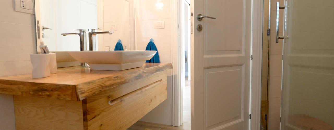 Mediterranean style bathroom by yesHome Mediterranean