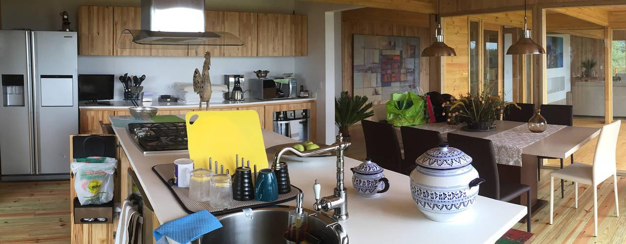 Кухни в . Автор – Taller de Ensamble SAS