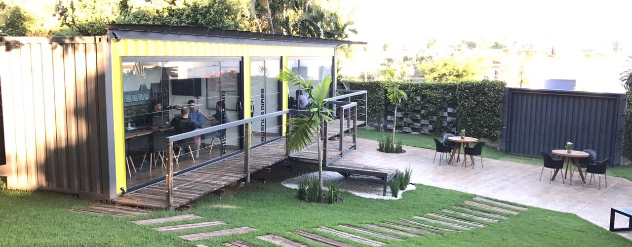 by RENOVE - CASAS CONTAINER Modern