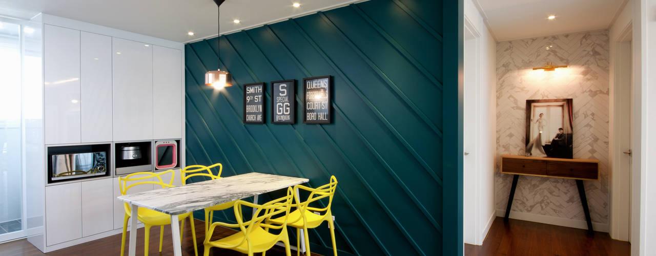Salle à manger de style  par 디자인투플라이, Classique