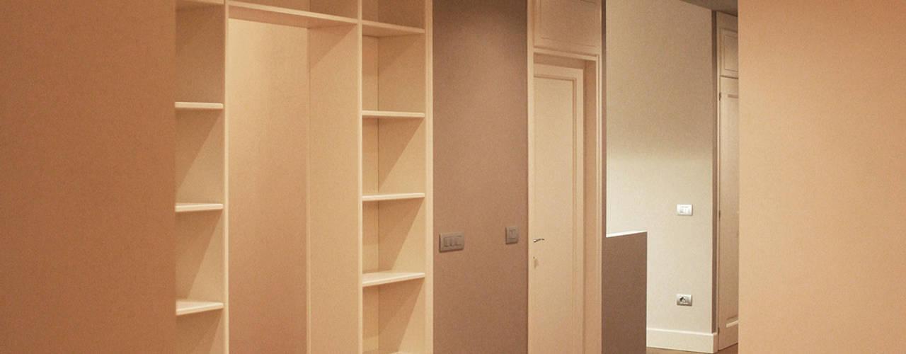 Livings de estilo  por Architetto Luigi Pizzuti