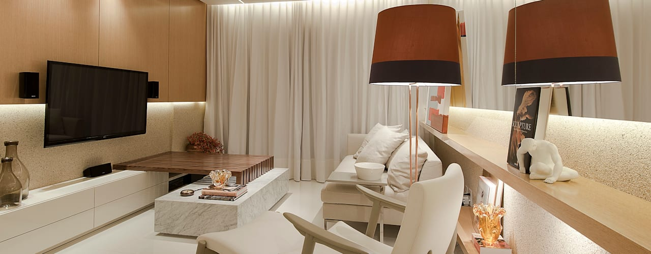 SALA DE ESTAR: Salas multimídia modernas por Matheus Menezes Arquiteto