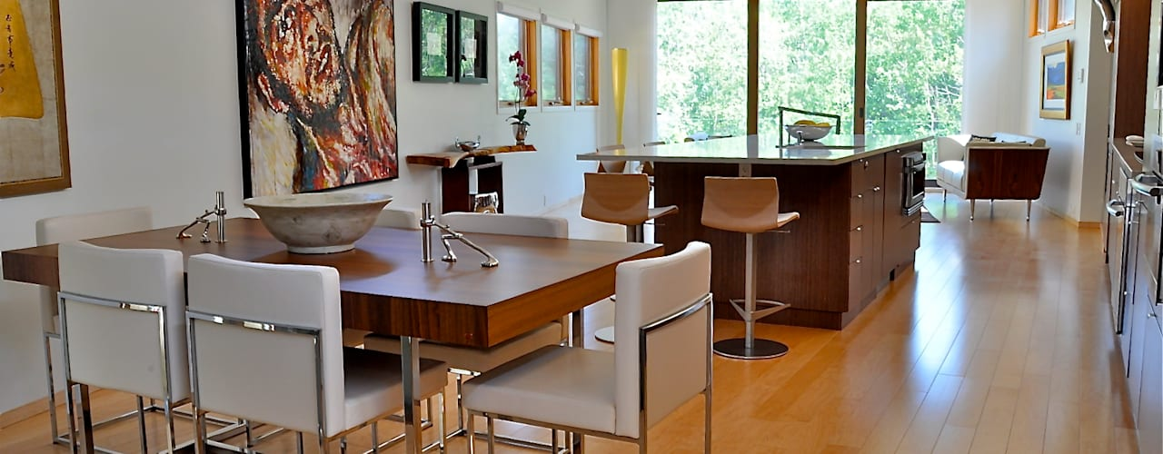 Moderne keukens van E3 Architecture Inc. Modern