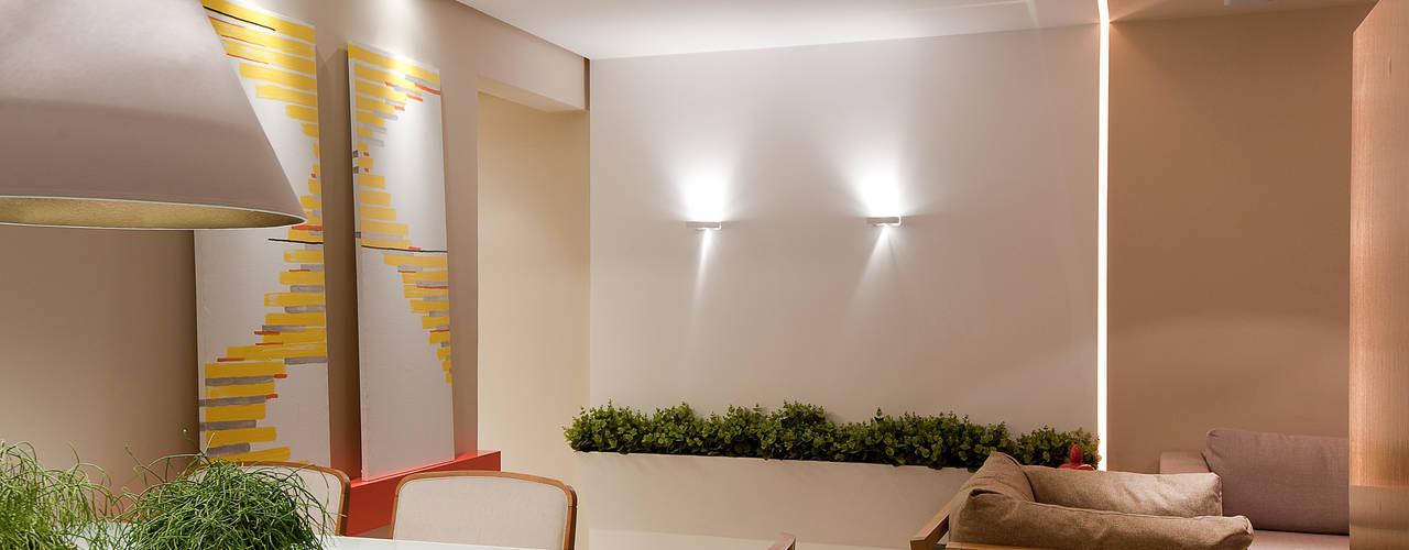 APTO. S & L Salas de jantar modernas por Matheus Menezes Arquiteto Moderno