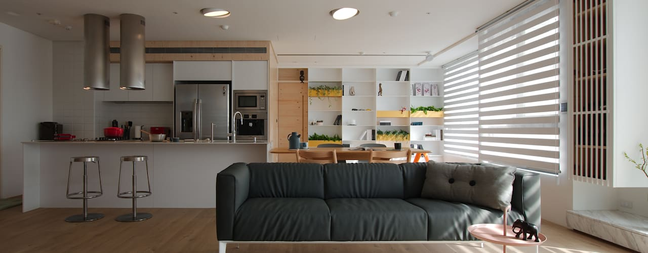 Childlike - House M:  客廳 by 六相設計 Phase6