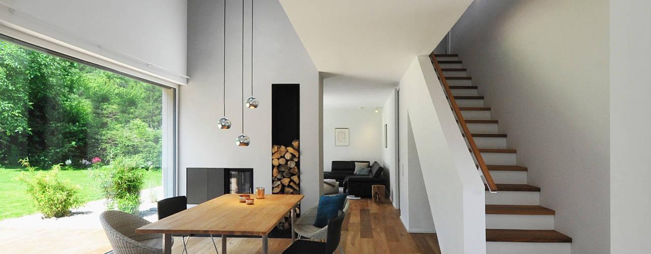 Modern dining room by GRIMM ARCHITEKTEN BDA Modern