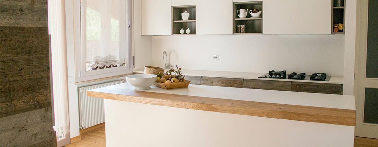 Modern kitchen by RI-NOVO Modern
