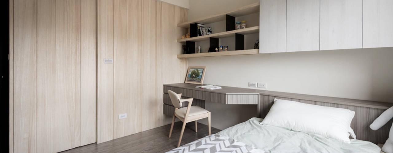 Phòng ngủ phong cách hiện đại bởi 思維空間設計 Hiện đại