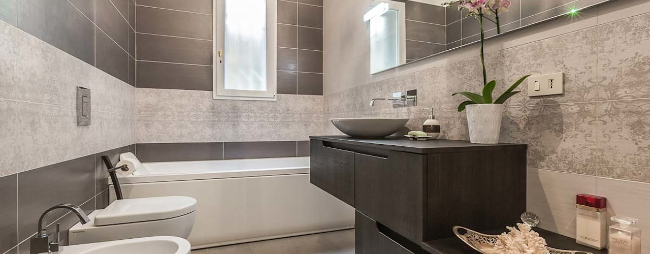 ห้องน้ำ โดย Facile Ristrutturare,