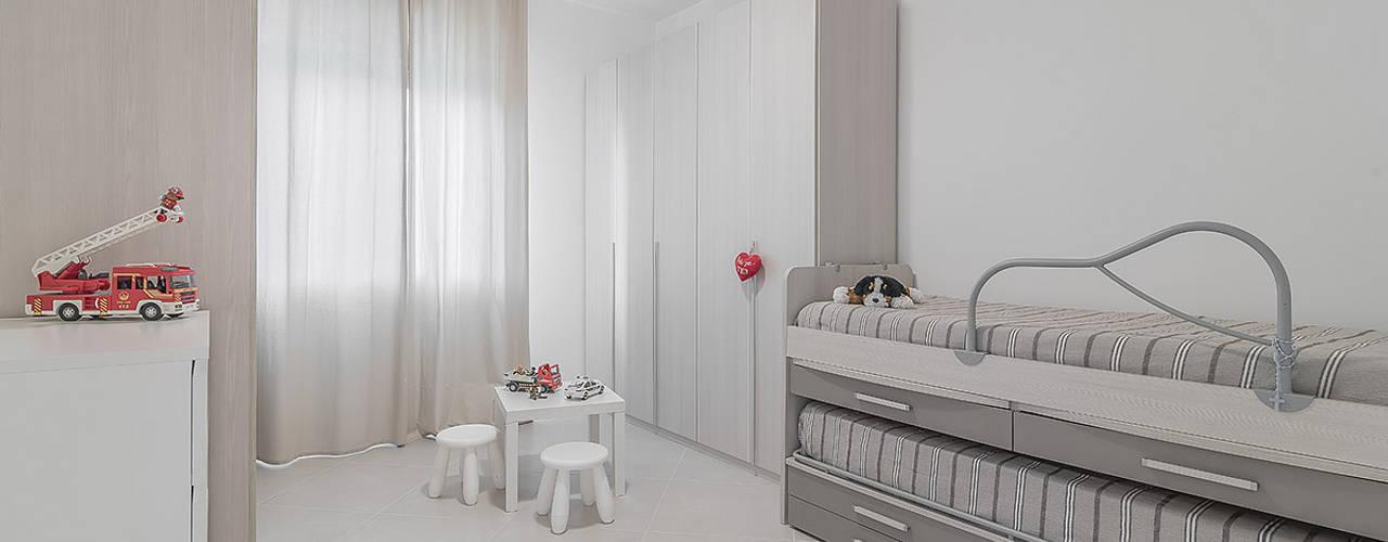 Dormitorios de estilo minimalista de Facile Ristrutturare