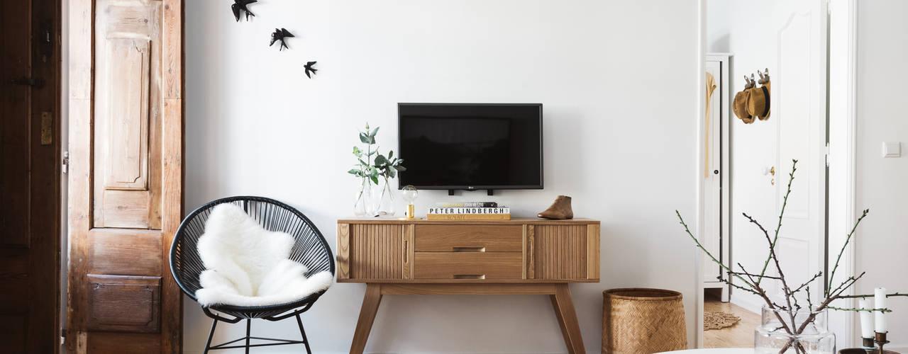 Living room by Arkstudio