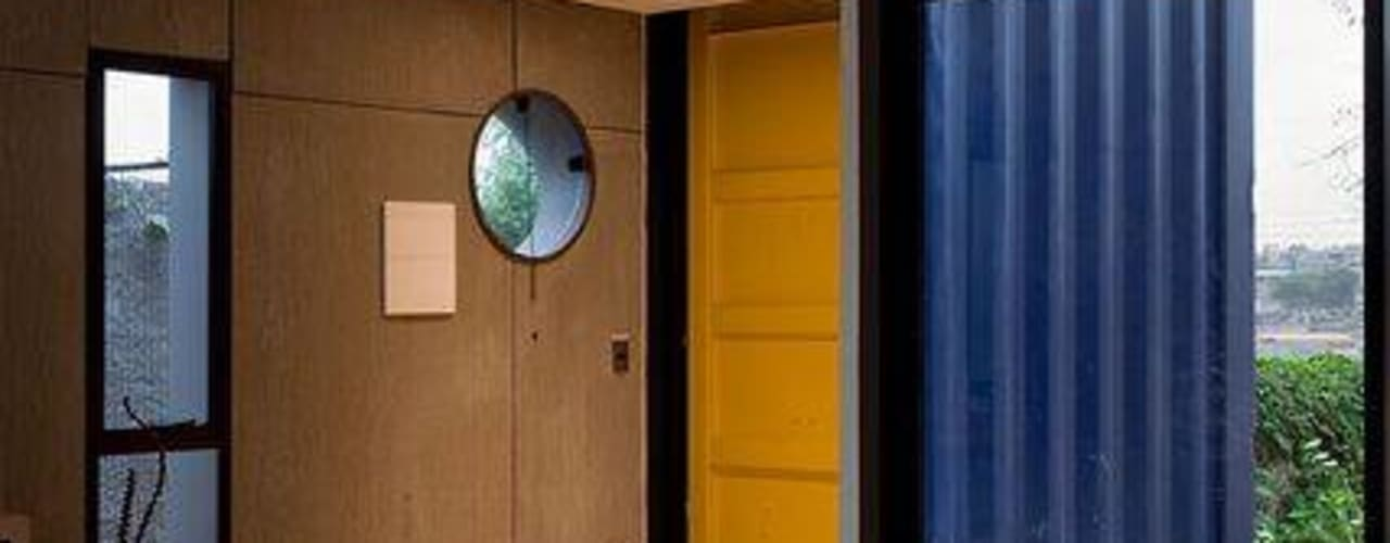 Livings de estilo moderno de Casa Container Brasil Moderno