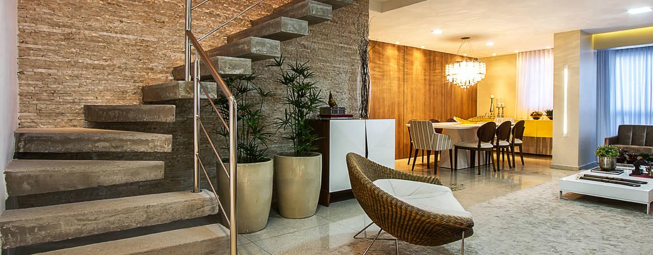 Salon classique par Cris Nunes Arquiteta Classique