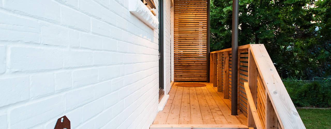 Дома в стиле минимализм от Solares Architecture Минимализм