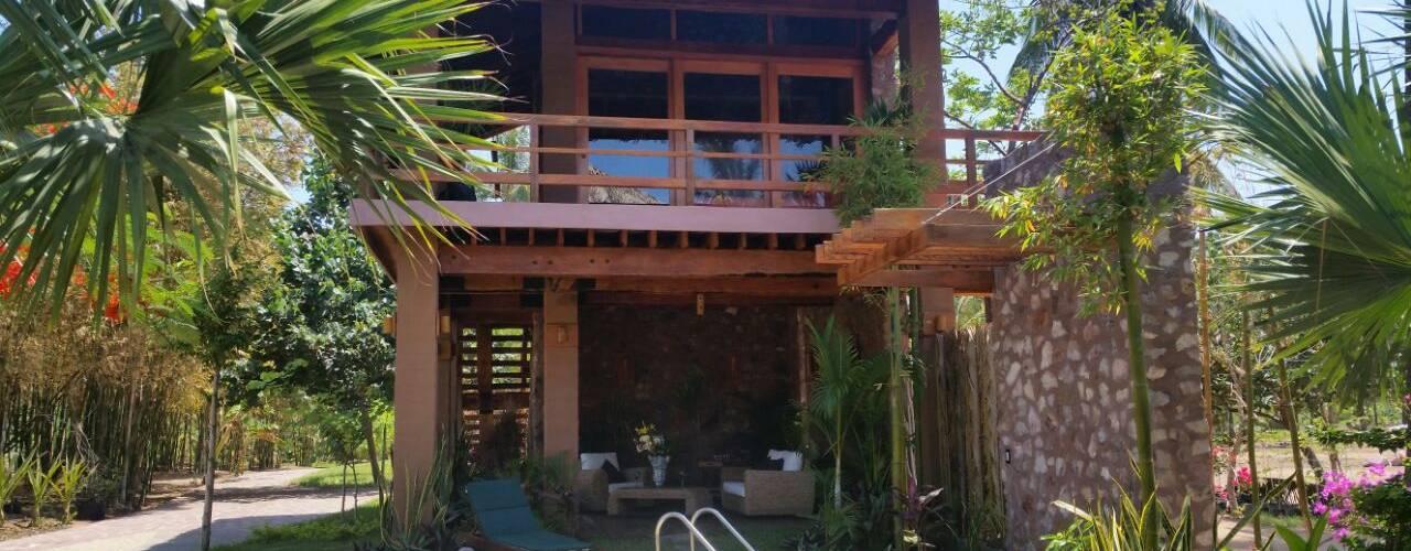 Rustic style garden by Cervantesbueno arquitectos Rustic