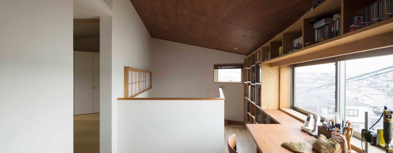 妙蓮寺の家 有限会社 アンドウ・アトリエ オリジナルデザインの 書斎