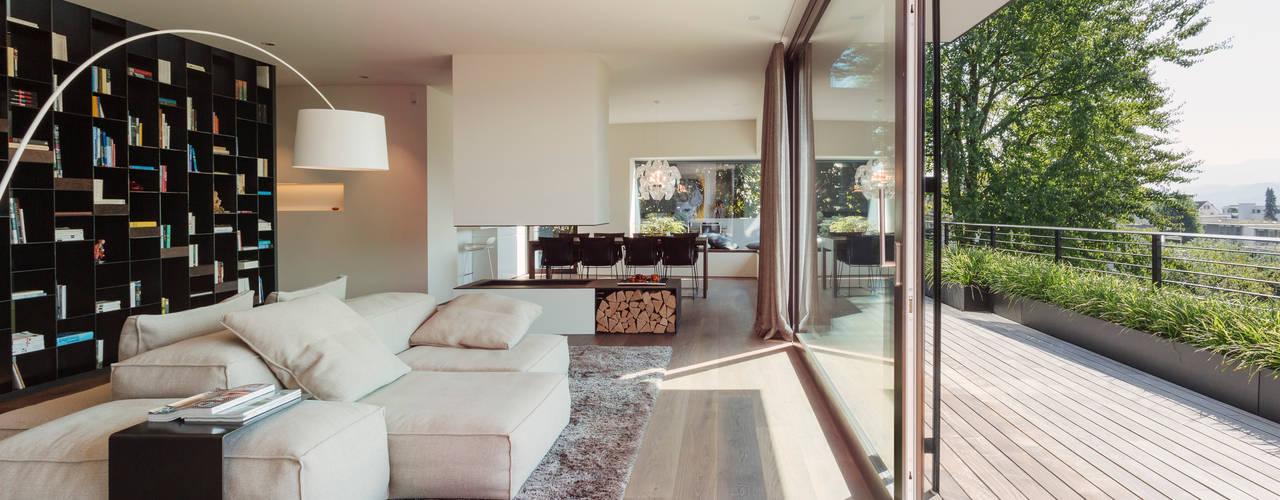 meier architekten: modern tarz Oturma Odası
