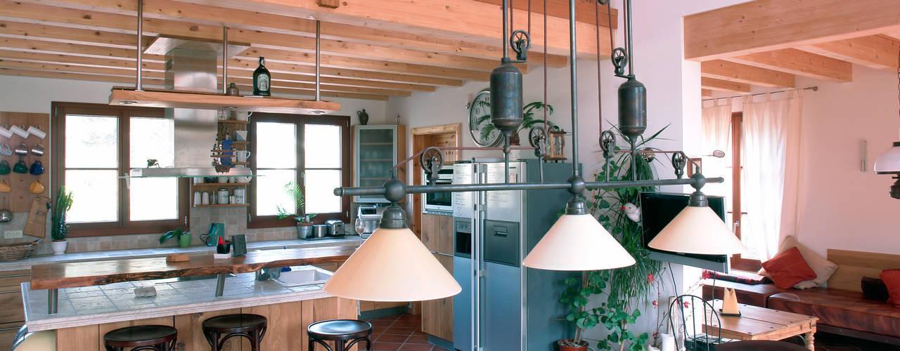 Nhà bếp phong cách kinh điển bởi Müllers Büro Kinh điển