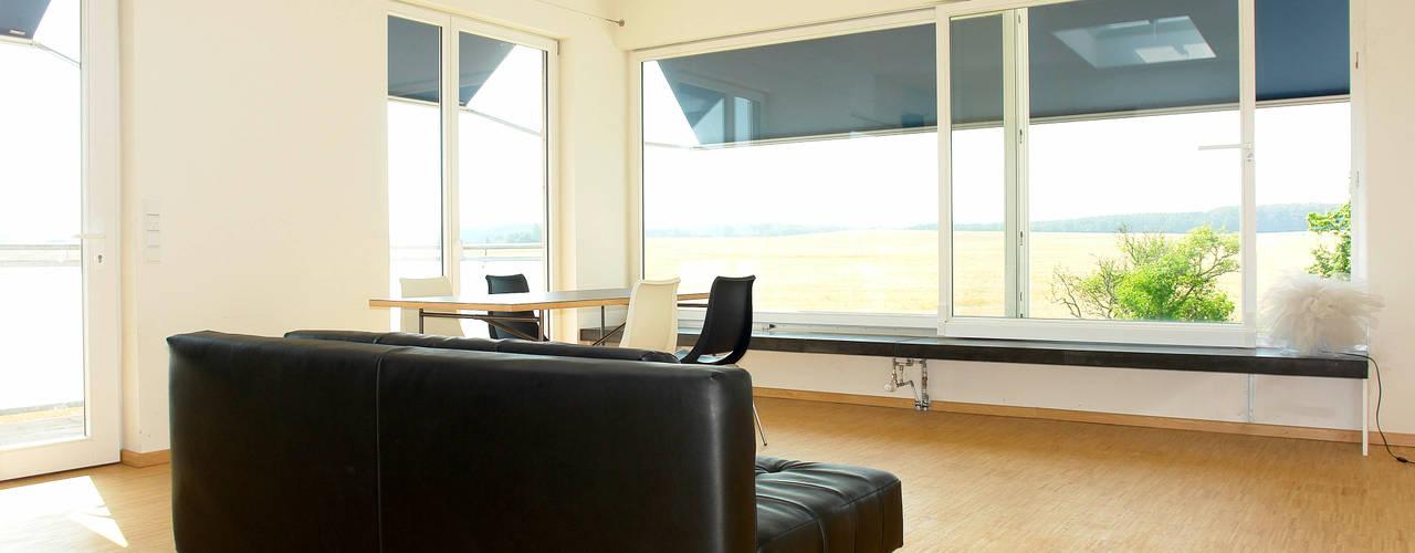 客廳 by Müllers Büro