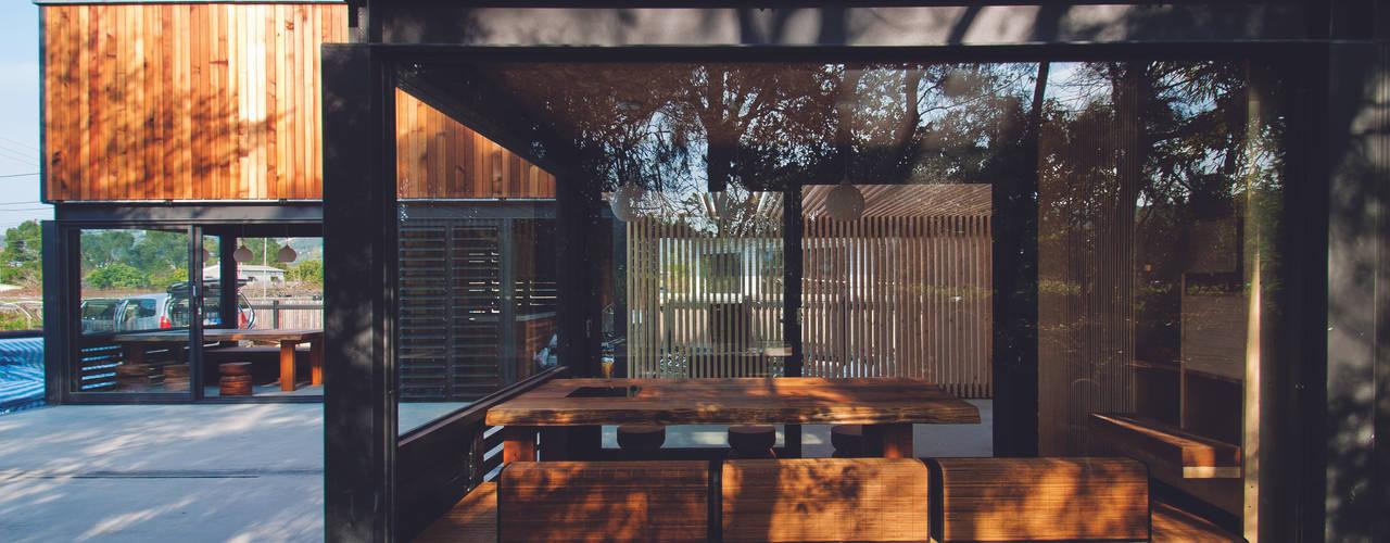 [ 行動木屋 ] Qfarm 現代房屋設計點子、靈感 & 圖片 根據 FAMWOOD 自然紅屋 現代風