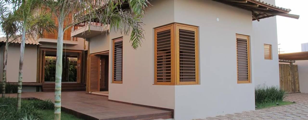 Casas de estilo  por Cia de Arquitetura