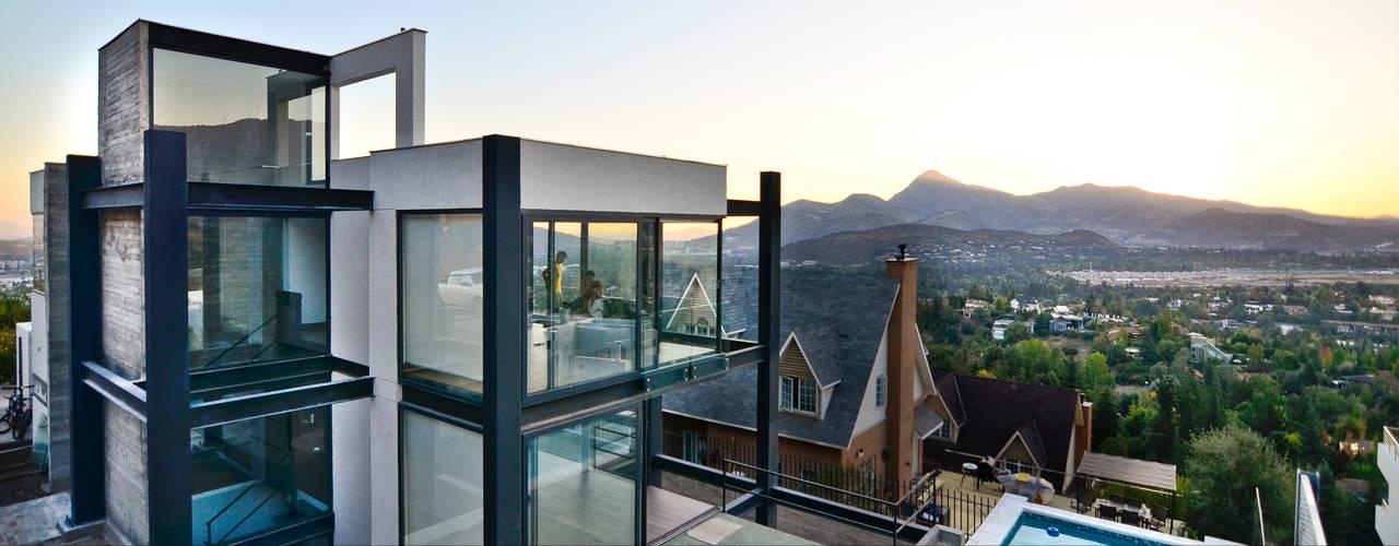 Casa Soprano: Casas de estilo  por Arq6.0
