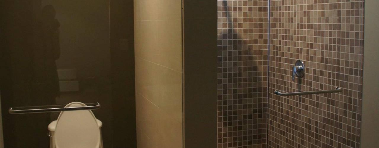 Baños de estilo  por TREVINO.CHABRAND | Architectural Studio, Moderno