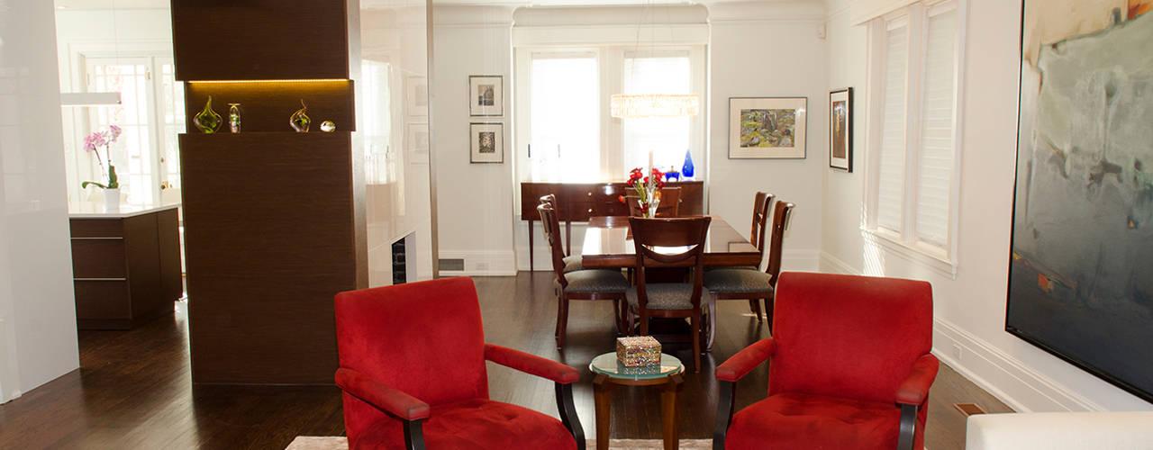 Rockcliffe Park Renovations:  Living room by Jane Thompson Architect