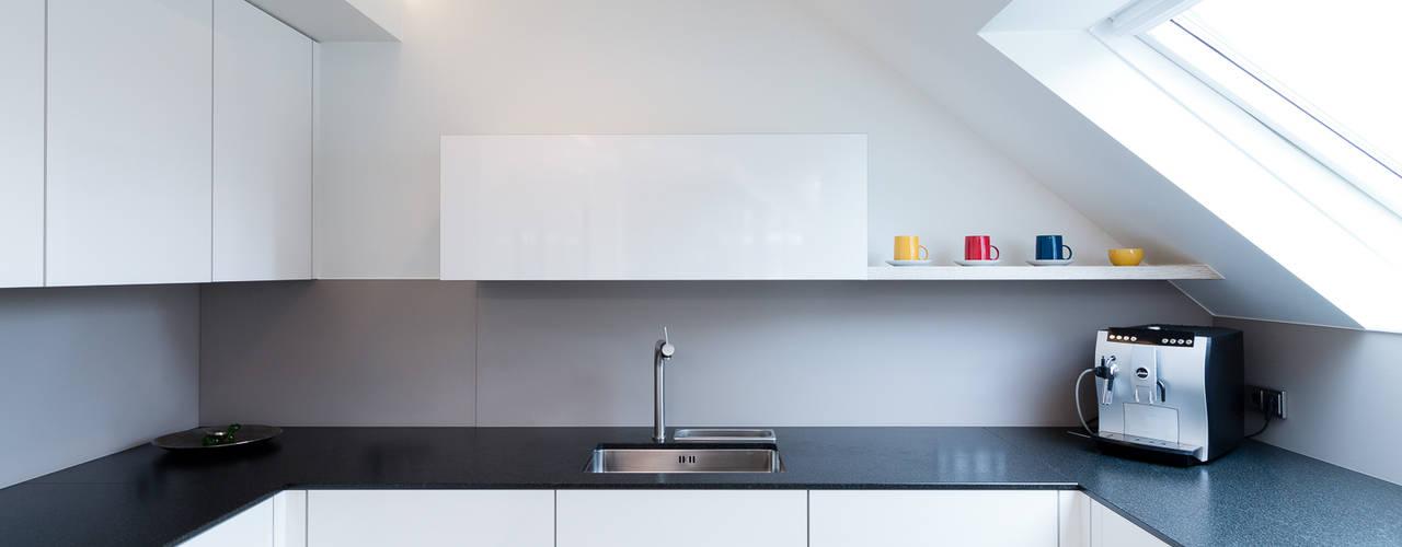arbeitsplatten aus granit f r k che und badezimmer. Black Bedroom Furniture Sets. Home Design Ideas