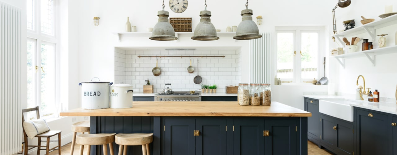 The Arts and Crafts Kent Kitchen by deVOL deVOL Kitchens Cuisine industrielle Bleu