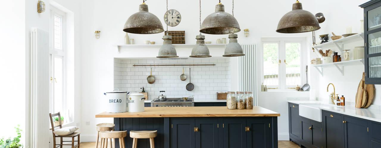The Arts and Crafts Kent Kitchen by deVOL Cocinas de estilo industrial de deVOL Kitchens Industrial