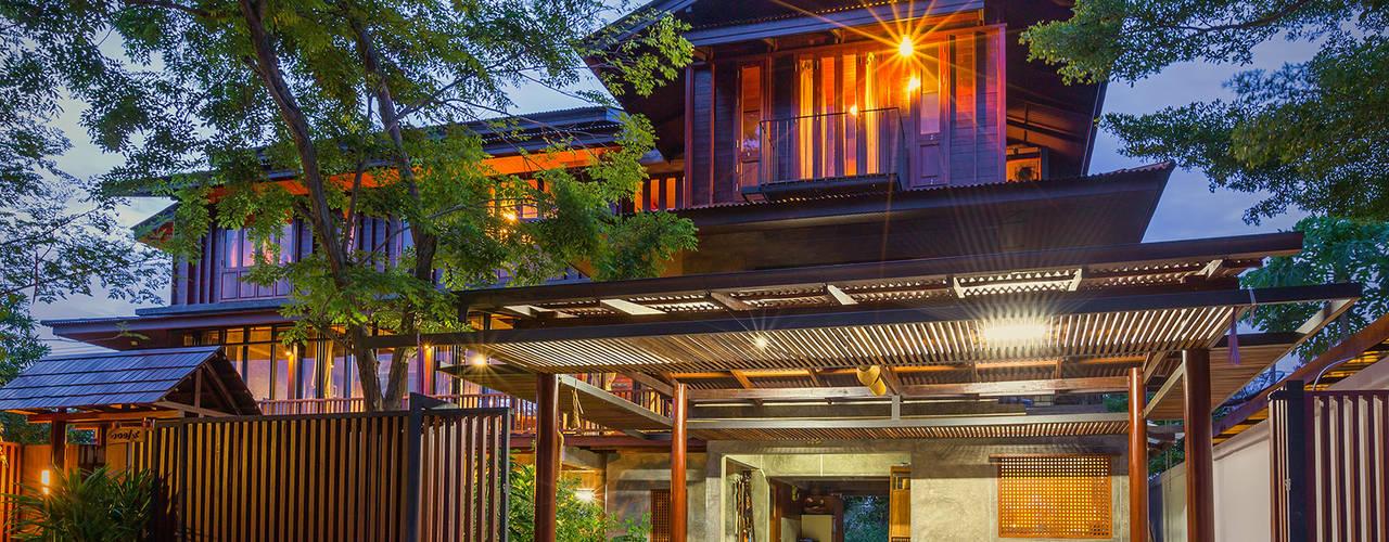 Rumah Gaya Country Oleh บริษัท สถาปนิกชุมชนและสิ่งแวดล้อม อาศรมศิลป์ จำกัด Country