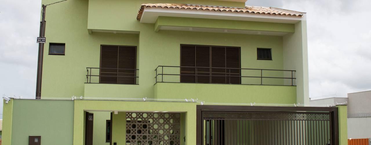 Garajes y galpones de estilo minimalista de Pz arquitetura e engenharia Minimalista