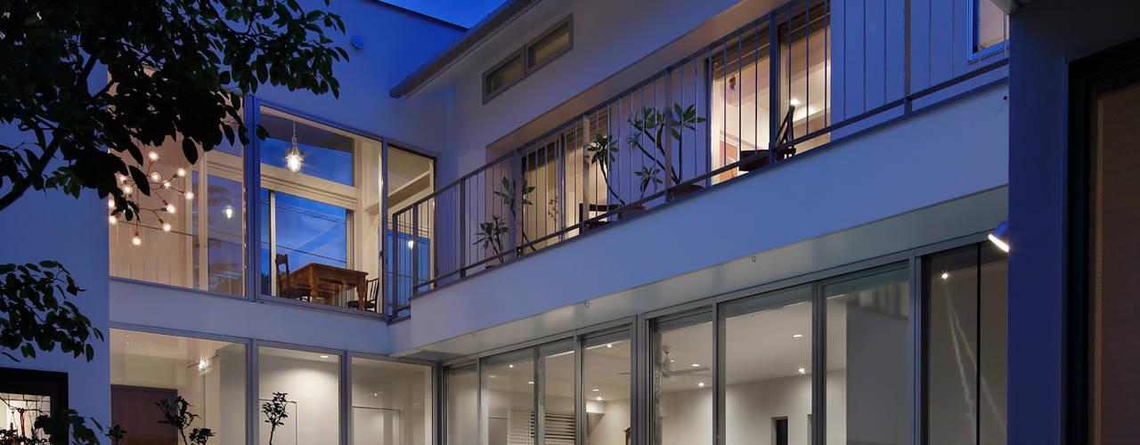 「水と光のある暮らし」吉祥寺のプールハウス モダンな 家 の TAMAI ATELIER モダン