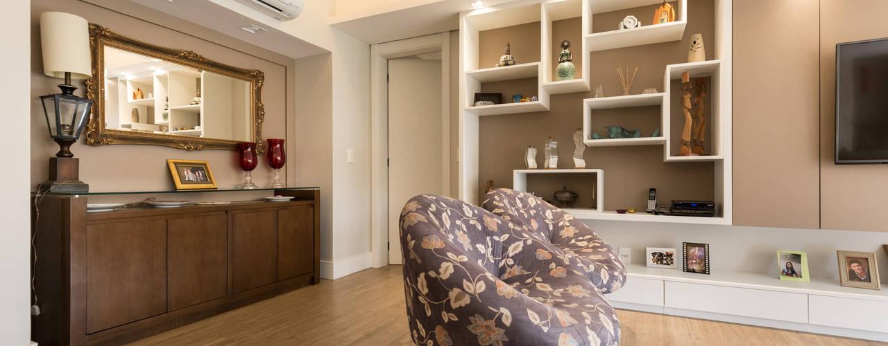 Minimalist living room by Kali Arquitetura Minimalist