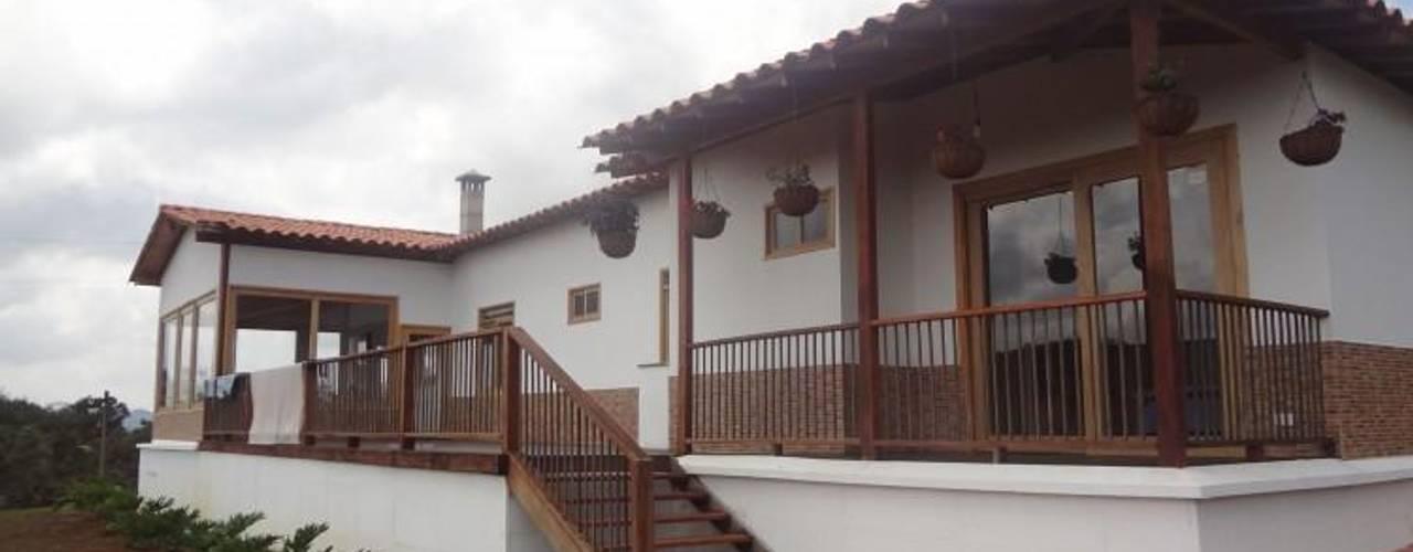 Дома в . Автор – PREFABRICASA